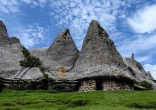Casa de los Pitufos de Pampachiri  y el Bosque de Piedras